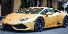 Passion For Luxury : Super-rich Saudi arrives in London with fleet of gold cars Kensington And Chelsea, Chelsea London, Bane, Rolls Royce, Lamborghini Pictures, Gold Lamborghini, Rich Cars, Black Cab, Car Goals