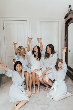Bride Tribe Morning Prep with Silk Robes, Champagne, and Gifts Bride And Bridesmaid Pictures, Bridesmaid Poses, Bride Pictures, Brides And Bridesmaids, Bridemaid Pictures, Champagne Bridesmaids, Bridesmaid Dresses, Wedding Pictures, Wedding Dresses