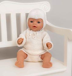 Viking Baby Ull 1114-3 Bleiebukser, genser, lue og sokker Størrelser: BabyB/Prem- 1- 3/6- 9/12mnd- 2år- 3/4 år GENSER: Overvidde: 34- 40- 43- 47- 50- 57 cm hel lengde: 18- 28- 33- 36- 38- 42 cm ermelengde: 13- 16- 19- 24- 27- 30 cm BLEIEBUKSE: stussvidde: 35- 44- 46- 48- 50- 53 cm GARNALTERNATIV: Viking Baby Ull (10...
