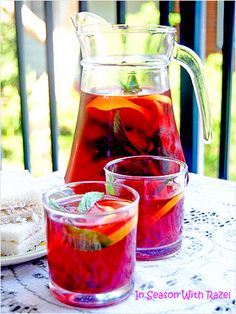 Raspberry, Apple, and Mint Iced Tea http://www.ivillage.com/best-flavored-iced-tea-recipes/3-a-542995