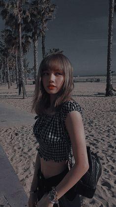 Kpop Girl Groups, Korean Girl Groups, Kpop Girls, Blackpink Lisa, Blackpink Jennie, Tumbrl Girls, Lisa Blackpink Wallpaper, Kim Jisoo, Black Pink Kpop