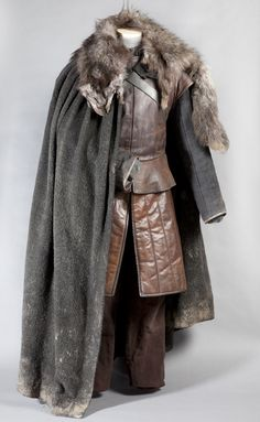 "Costume for ""Robb Stark"" (as worn by Richard Madden) 'Game of Thrones' Costume design by Michele Clapton. FOR THE NORTH! Got Costumes, Movie Costumes, Larp Costumes, Costume Ideas, Vikings, Look Man, Leather Armor, Leather Jacket, Medieval Costume"