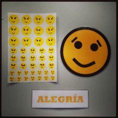 #Material #didáctico para trabajar las #emociones básicas con #pictogramas de #emoticonos. #Alegría.