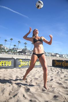 We're no strangers to Jess Gysin, one of Jose Cuervo's Beach Volleyball players. Behind Misty May and Kerri Walsh, Jess is probably the most popular female beach volleyball pro Women Volleyball, Volleyball Players, Beach Volleyball, Senior Girls, Female Athletes, Sport Girl, Sports Women, Physique, Fitspo