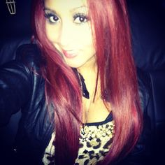 love snookis red hair...beautiful color!