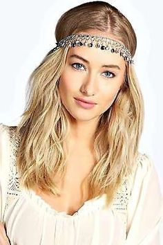 Pin for Later: Finish Your Flapper Outfit With the Greatest Hair Accessories Boohoos Womens Miranda Jewel Drop Headchain Boohoos Womens Miranda Jewel Drop Headchain (£6)