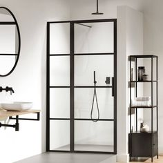 Deze mat zwarte douche past perfect in een industriële doucheruimte | Sealskin SOHO 2-delige swingdeur rechts 100x210 cm Charcoal Helder Glas Sealglas