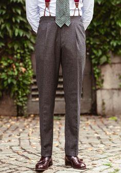 Manolo x Ströms Mature Mens Fashion, Stylish Mens Fashion, Suit Fashion, Mens High Waisted Trousers, Men Trousers, Men's Pants, Modern Suits, Look Formal, Men Style Tips