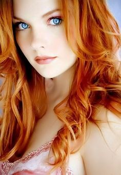 Check out these 42 Beautiful Redhead Girl photos. Something about Redheads the cheer me up Red Hair Green Eyes, Shades Of Red Hair, Bright Red Hair, Red Hair Color, Color Red, Blue Eyes, Beautiful Red Hair, Most Beautiful Eyes, Beautiful Gorgeous