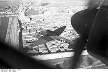 Zwei Ju 88 der Aufklärungsgruppe 33, am 21. März 1942 über Aigues Mortes an der französischen Mittelmeerküste