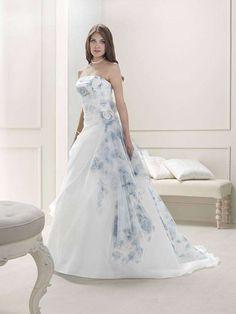 Abiti da sposa azzurri 2014