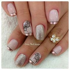 Blue is an elegant and always fashionable color: manicure enthusiasts cannot leave it aside for the next season! What are the most beautiful blue nail art? Fabulous Nails, Gorgeous Nails, Love Nails, Fun Nails, Pretty Nails, French Tip Nails, Gel Nail Designs, Arabesque, Manicure And Pedicure