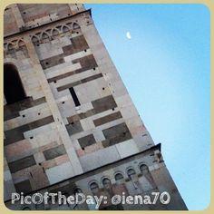 "#PicOfTheDay #turismoer da Modena: ""Ghirlandina & moon"" Complimenti e grazie a @Francesco Mattucci"