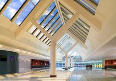 Sheraton Frankfurt Airport Hotel and Conference Center - Main lobby