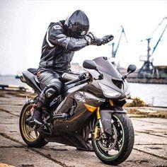ゲイ イケメン バイク ライダースーツ