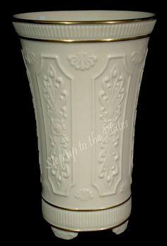 White Porcelain Lenox Vase Leaf Pattern Tyxgb76aj Quot Gt This Vintage And White Porcelain