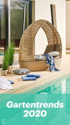 A combination of recliner chairs and lounge island invites to relax in comfort. Modern Pools, Living Room Interior, Cozy House, Play Houses, Hanging Chair, Garden Furniture, Diy, Patio, Outdoor Decor