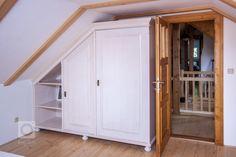 Venkvská chalupa v Českém ráji Cottage Renovation, Stairs, Home Decor, Stairway, Decoration Home, Room Decor, Staircases, Home Interior Design, Ladders