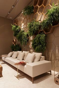 37 Brilliant Indoor Vertical Garden Design Ideas to Brighten Up The Space Cafe Interior, Decor Interior Design, Interior And Exterior, Interior Decorating, Indoor Plant Wall, Vertical Garden Design, Piece A Vivre, Room Decor, House Design