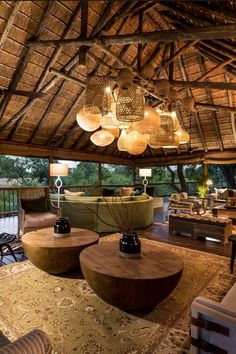 Get the look at MIX with stunning authentic African and Asian pieces! Informations About Amazing indoor/outdoor African luxe space. Get the look at MIX with Modern House Design, Home Design, Design Ideas, Design Design, Hall Hotel, Interior Tropical, Interior Modern, Interior Design, Bar Deco