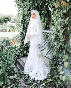 Malay Wedding Dress, Kebaya Wedding, Muslimah Wedding Dress, Muslim Wedding Dresses, Dream Wedding Dresses, Bridal Dresses, Muslim Brides, Bridal Hijab, Hijab Bride