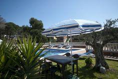 Moderne Villa mit einem großen Außenraum, Ping-Pong-Tisch, 2 Terrassen mit Grill und wunderschönem Blick aufs Meer aus dem Pool