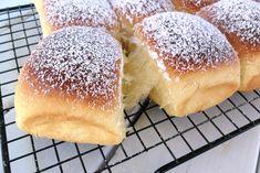 Doughnuts, Chiffon Cake, Hamburger, Bread, Food, Food Cakes, Brioche, Brot, Essen