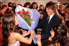 #Laliter <3 #Lali #15Años #PeterLanzani Series Movies, Fangirl, Chill, Idol, Teen, Singer, Celebrities, Photography, Angels