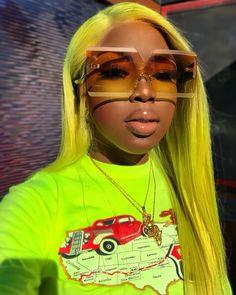 sunglasses aesthetic sunglasses for yo - sunglasses Womens Fashion Online, Latest Fashion For Women, Stylish Sunglasses, Sunglasses Women, Vintage Sunglasses, Sunglasses For Your Face Shape, Bling Bling, Cat Eye Colors, Lunette Style