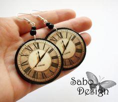 http://www.designspinka.pl/kolczyki-zegary-vintage/ Kolczyki zegary wykonane ręcznie w technice decoupage. Elementy metalowe antyalergiczne.