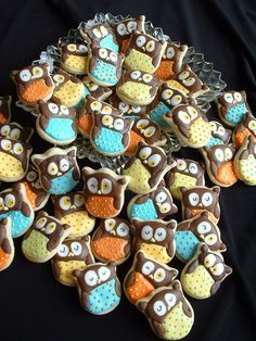 """""""Whooooo loves you.""""  Coordinate cookies with an owl-themed Valentine's card = perfect v-day classroom treats"""