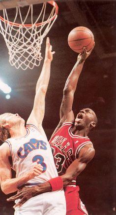 Jordan dunks on Ehlo