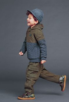 Fashion 2018 Winter fashion 2018 for little boys from Dolce & Gabanna Cochella Outfits, Tomboy Outfits, Kids Outfits, Little Boy Fashion, Young Fashion, Toddler Fashion, Kids Fashion, Winter Fashion, Fashion 2015