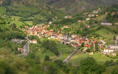 Place: Pola de Allande (tiltshift style) / Asturias, Spain. Photo by: Marc (flickr)
