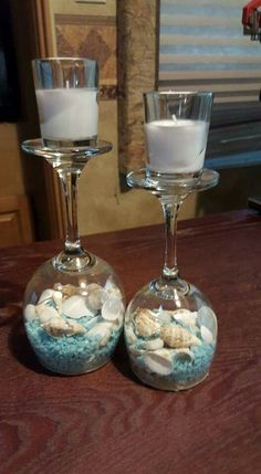 17 DIY candle holder ideas that can beautify your room - enthusiast home - Dekoration Ideen - candles ideas 17 DIY candle holder ideas that can beautify your room - enthusiast home - Dekoration Ideen Seashell Crafts, Beach Crafts, Diy Home Crafts, Wine Glass Candle Holder, Diy Candle Holders, Wine Glass Crafts, Wine Bottle Crafts, Wine Bottles, Diy Para A Casa