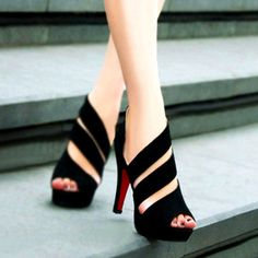 Features with straps upper and zipper on side, this heels sandals is sexy for prom party, club or it can also wear daily. Be elegant with this black shoes.