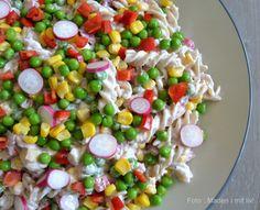 Mine allerbedste opskrifter på 7 skønne og mættende pastasalater - perfekte til såvel hovedret som tilbehør til grillmaden i sommervarmen...