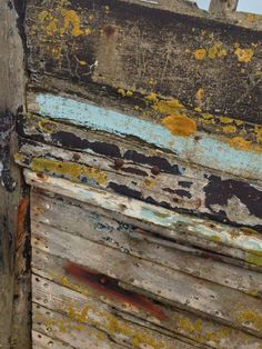 another wonderful old abandoned boat, this time in wood, love the textures and colours