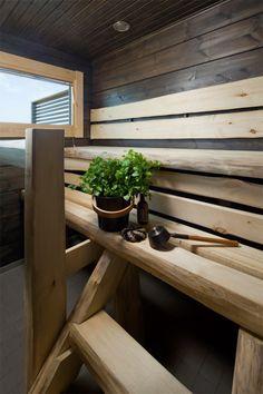 Villa Merengue by Honka on Kalajoen loma-asuntomessuille rakennettu upea 100-neliöinen hirsihuvila joka hurmaa sekä ulkoa että sisältä. Talon muodoissa ja olemuksessa paistaa ajattomuus, joka toisaalta henkii perinteistä hirsirakentamista, toisaalta taas modernia loma-asumista astetta ylellisemmissä puitteissa.  Olohuone ja ruokailutila/keittiö yhdistyvät yhdeksi toimivaksi kokonaisuudeksi, jossa on mukava viettää aikaa yhdessä perheen ja ystävien kanssa.Seinänkorkuisista lasi-ikkunoist...