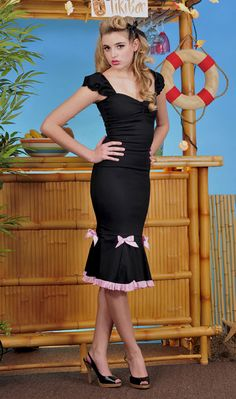BLACK AND PINK SWEETHEART WIGGLE DRESS