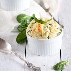 Italiaanse spinazie-kaassoufflé - recept - okoko recepten Mashed Potatoes, Pasta, Ethnic Recipes, Food, Whipped Potatoes, Smash Potatoes, Meals, Noodles, Yemek
