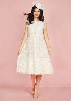 ModCloth - ModCloth Bliss Way Up Midi Dress in Ivory in XXS - AdoreWe.com