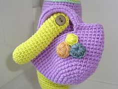 Вяжем красивую сумочку для игрушки - ЛанчСумочки - Ярмарка Мастеров http://www.livemaster.ru/topic/1711373-vyazhem-krasivuyu-sumochku-dlya-igrushki