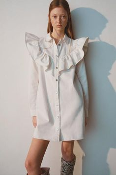 New clothes and accessories updated weekly at ZARA online. Vestidos Zara, Mini Vestidos, White Denim Dress, Vestido Baby Doll, Camisa Formal, Zara Shirt, Denim Shirt, Girl Fashion, Fashion Clothes