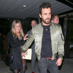 Need to know about the latest Jennifer Aniston movies and TV shows? Get the most up-to-date Jennifer Aniston news, videos, and photo galleries at E! Jennifer Aniston Movies, Jennifer Aniston News, Skinhead Fashion, Mens Fashion, Justin Theroux Jennifer Aniston, Fun To Be One, How To Look Better, Jen And Justin, Couple Moments