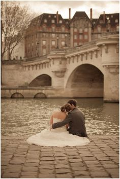 Marry in Paris | Image Juliane Berry Photography http://www.frenchweddingstyle.com/elope-to-paris-juliane-berry/