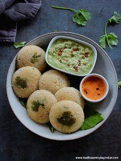 Instant Oats Idli |Healthy Indian Oats Recipes | Madhu's Everyday Indian Oats Recipes, Veg Recipes, Healthy Recipes, Savory Breakfast, Breakfast Dishes, Oats Idli, Palak Paratha, Ragi Dosa