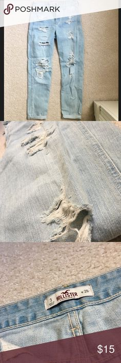 Hollister Ripped Boyfriend Jeans Lightly worn Hollister Jeans Boyfriend