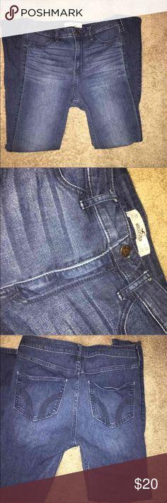Hollister Jeans Skinny jean. Looks brand new. Size 5(27in.) Hollister Pants Skinny