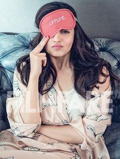 Alia Bhatt's latest photoshoot for filmfare magazine. - Best Actor in the World Indian Celebrities, Bollywood Celebrities, Beautiful Bollywood Actress, Beautiful Actresses, British Actresses, Indian Actresses, Alia Bhatt Varun Dhawan, Alia Bhatt Photoshoot, Alia Bhatt Cute